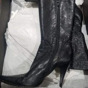 Kenneth Cole That's The Point Of Leather Boots